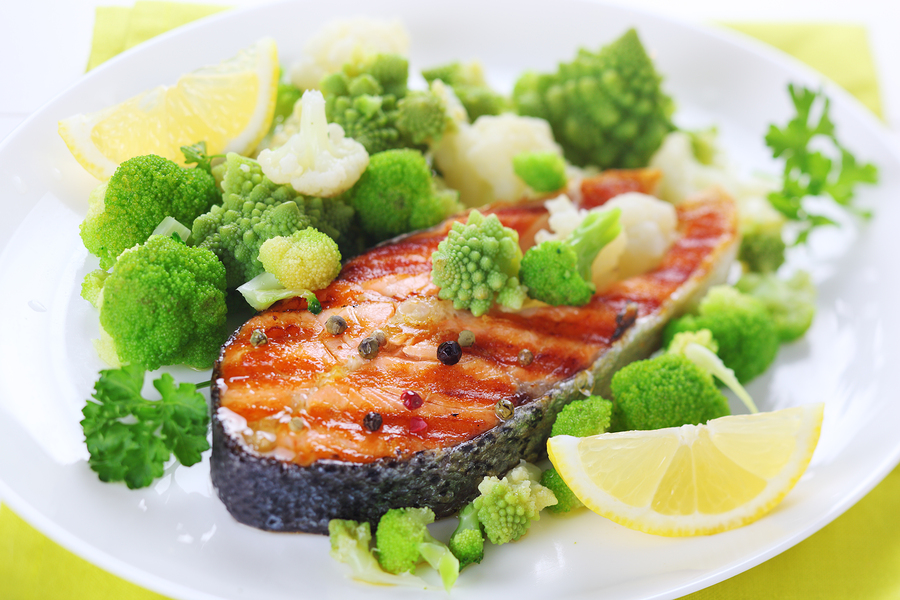 bigstock-grilled-salmon-with-broccoli-a-29995520