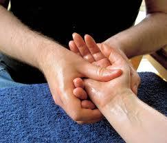 masáž ruky
